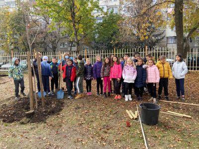 """Мащабната инициатива част от кампанията """"Моето зелено училище"""" в 40 СУ - Изображение 1"""